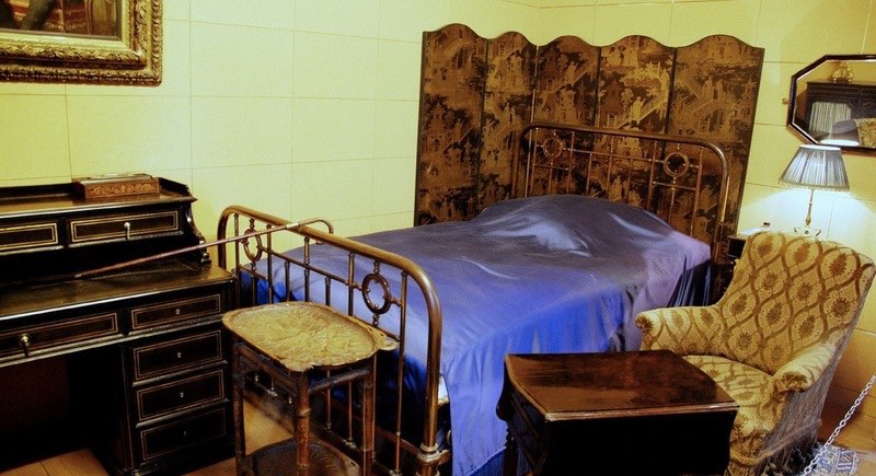 prousts-bedroom-musc3a9e-carnavalet.jpg