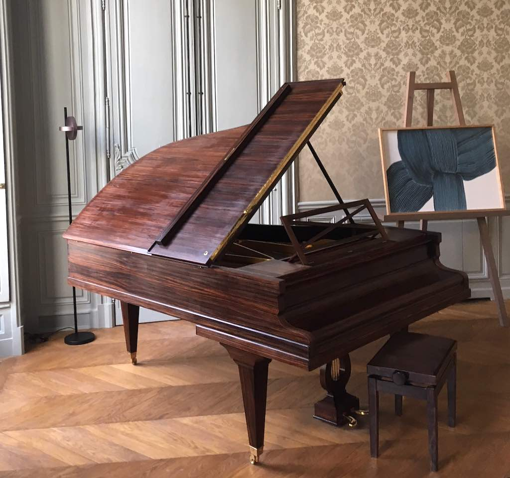 Grand salon Piano Pleyel 1927.jpg