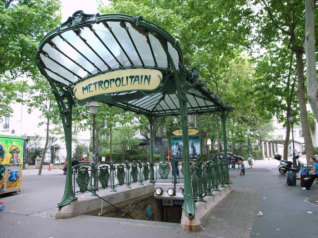 Station_Abbesses.jpg